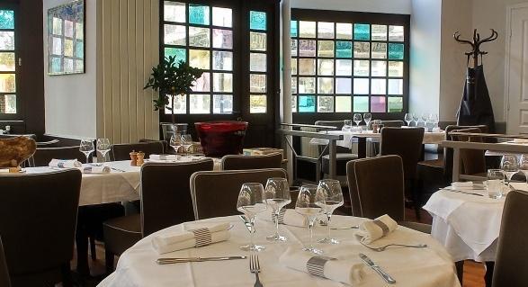 レストラン「ル・トラヴェルシエール」